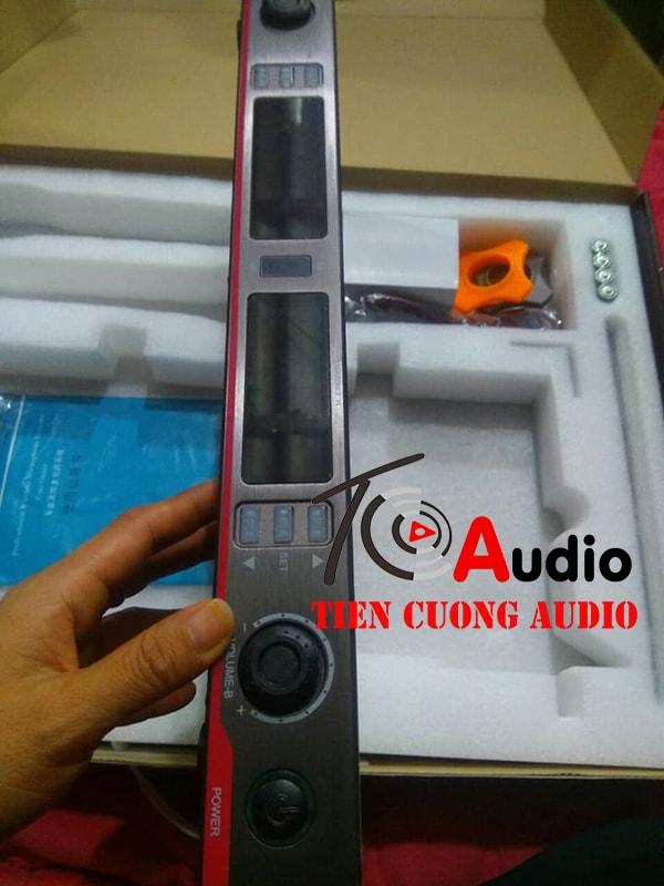 Bộ đầu thu của micro Shure UR 8S
