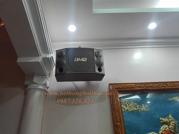 Loa karaoke BMB 850 đẹp